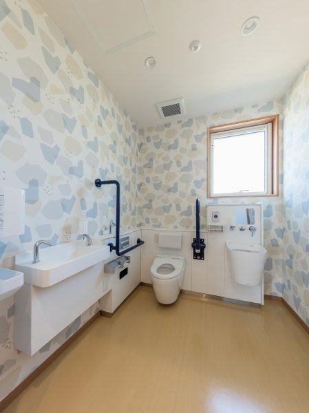 グローバルなトイレ設備も
