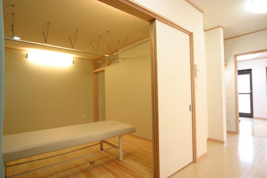松葉治療室&美容室Calm(カーム)